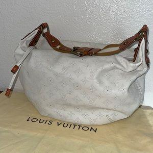 Authentic Louis Vuitton Mahina onatah GM hobo RARE